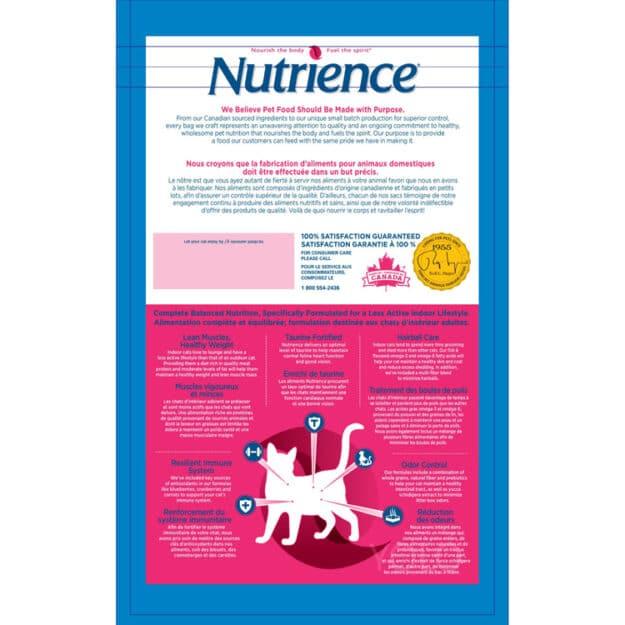 chi tiet san pham nutrience cho meo truong thanh dung trong nha